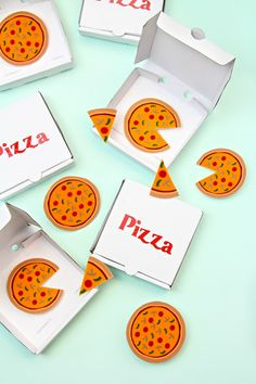 DIY Pizza Brooches,