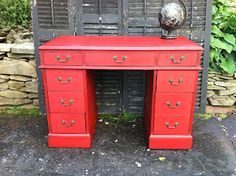 Embracing Change: Rockin' Ruby: Antique Desk Makeover