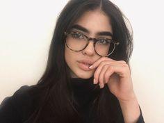 Little Nat big Nat Cute Glasses, Girls With Glasses, Glasses Style, Natalia Castellar, Lunette Style, Fashion Eye Glasses, Men Eyeglasses, B Fashion, Womens Glasses