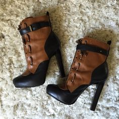 """⚡️HP⚡️DSQUARED Mid-Calf Buckle Boots Stylish midi height ankle boot with Sherpa lining and zip up front under buckle. Worn once for a NY Fashion Week trip. Front hidden 1"""" platform for comfort, and 5"""" back heel.   * Comes with original dust bag. Fit a little roomier - I'm usually a 39... Like New Condition!  ❌ LOWBALLERS ✔️ REASONABLE OFFERS (use offer button) DSQUARED Shoes Ankle Boots & Booties"""