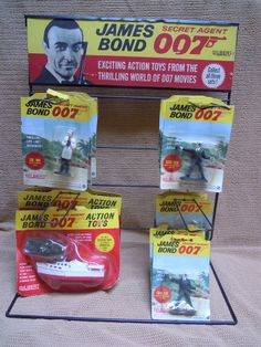 ORIGINAL - 1965 Gilbert JAMES BOND 007 Display Rack - with toys