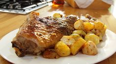 Lamb in the oven with potatoes - Ftiaxto.gr Lamb in the oven with potatoes – ftiaxto. Greek Easter, Easter Lamb, Greek Cooking, Rind, Greek Recipes, Oven, Pork, Food And Drink, Meals
