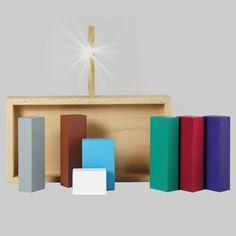 London designer Sebastian Bergne has created a nativity scene comprising nothing but rectangular wooden blocks.
