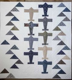 A vintage airplane quilt for the little pilot in your sky. x Pattern Baby Boy Quilt Patterns, Baby Boy Quilts, Quilt Patterns Free, Kid Quilts, Quilts For Men Patterns, Mens Quilts, Sewing Patterns, Half Square Triangle Quilts, Square Quilt