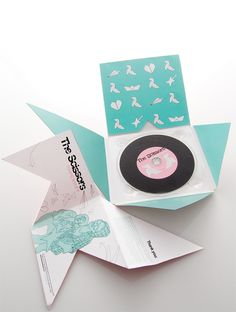 the scissors.....paperart by cris moreira // CD // ORIGAMI // MUSIQUE // BLUE // TURQUOISE // PACK // PACKAGING // ORIGINAL