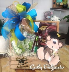 Candy Bouquet, Rapunzel, Ideas Para, Diy And Crafts, Graduation, Gift Wrapping, Party, Baskets, Gifts