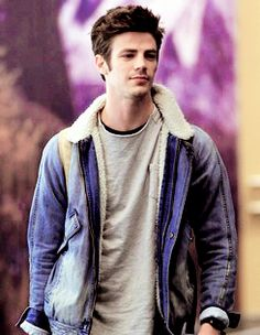 Grant Gustin arriving back in Vancouver, February 2015