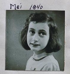Anne Frank a los 10 años, Mayo 1940, dos años antes de refugiarse en la casa de atrás y 5 años antes de su muerte en Bergen-Belsen.
