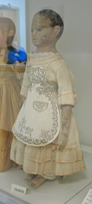 Izannah Walker Chronicles: The Aproned Izannah Walker Doll - Pictures from the Strong Museum