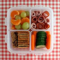 5 Simple Techniques to Get Started with Bento Lunches http://www.pbs.org/parents/kitchenexplorers/2013/04/15/5-simple-techniques-to-get-started-with-bento-lunches/?utm_source=Facebook_medium=Fanpage_campaign=PBSParents