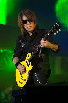 Rock Bands, Hero, Guitars, Guitar Players, Collection, Twitter, Musica, Guitar
