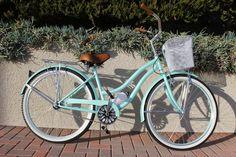 Mint Green Beach Cruiser Bike - Women's style: Patterns of sustainability Green Beach, Mint Green, Beach Cruiser Bikes, Cruiser Bicycle, Retro Bike, New Bicycle, Bicycle Maintenance, Cool Bicycles, Jolie Photo