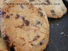 Une recette de cookies américains à faire au thermomix, ils sont excellents! Toutes les occasions seront bonnes pour manger ces cookies. Recette économique.