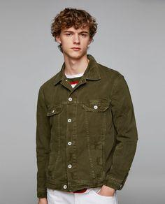 FARBIGE JEANSJACKE - In weiteren Farben verfügbar Jacken Herren, Farbig,  Neue Wege, Camouflage 96474978ab