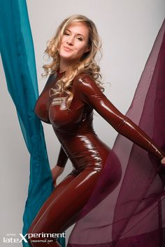 LRCiRL - Latex/Rubber Clothing in Regular Life : Photo