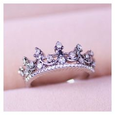 Princess crown rings ❤ liked on Polyvore featuring jewelry, rings, crown jewelry and crown ring