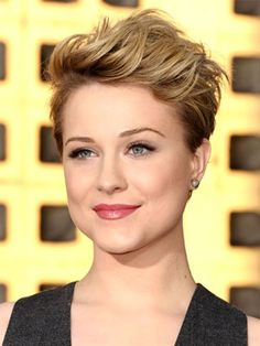 seriously cute short hair (and on a round face too!)