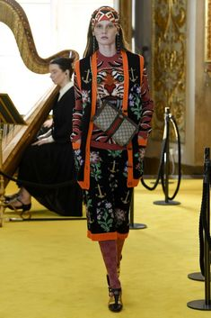 Gucci | Cruise 2018 | Look 71 #chanelcruise #chanel #cruise #street #styles Runway Fashion, Womens Fashion, Fashion Tips, Gucci 2018, Chanel Cruise, Cruise Outfits, Colorful Fashion, Girl Outfits, Style Inspiration
