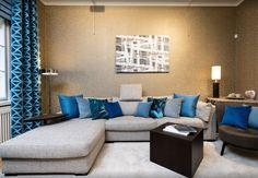 Aruncă o privire peste portofoliul nostru pentru o porție sănătoasă de inspirație si pentru idei inovatoare de inalta calitate doar la Feroti Decor. Consultanta gratuita la 👍Feroti Decor ✅ Programari vizite ShowRoom - 0740-952-559 www.feroti.ro ⭐️ #perdelesidraperii #perdele #draperii #ferotidecor #decoratiuniinterioare Showroom, Couch, Furniture, Home Decor, Settee, Decoration Home, Sofa, Room Decor, Home Furnishings