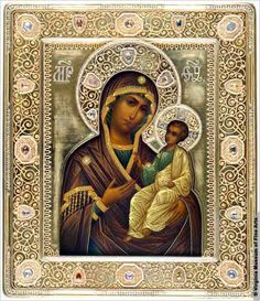 A Russian Orthodox religious icon, depicting a Madonna and child (Virginia Museum of Fine Arts) Russian Icons, Russian Art, Religious Icons, Religious Art, Byzantine Art, Holy Mary, Madonna And Child, Art Icon, Orthodox Icons