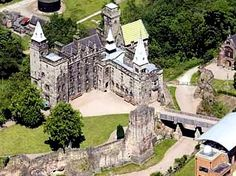Staffordshire Castles Sizzle !   Evelyn Wallace -The Castle Lady