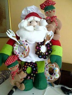 Felt Christmas, Christmas Stockings, Christmas Wreaths, Christmas Ornaments, Felt Wreath, Ornament Wreath, Santa, Holiday Decor, Decorations
