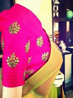 Gotapatti motif blouse Sari Blouse Designs, Blouse Patterns, Indian Attire, Indian Wear, Coordination Des Couleurs, Maggam Work Designs, Desi Clothes, Indian Couture, Work Blouse
