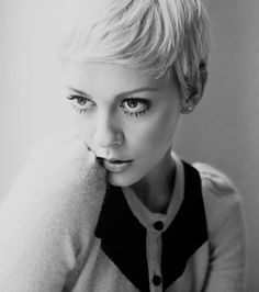 If I could lose 15-20 lbs I would so do this!! ^ Never underestimate the beauty of a pixie cut & fat face combo. Love mine.