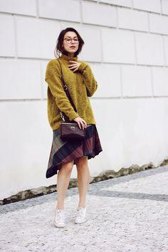 heels in prague | blog by adela stredova: tartan skirt