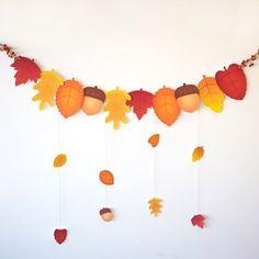 Autumn Leaves Garland for Thanksgiving . Could GIVE THANKS to Pa- Herbstlaub-Girlande zum Erntedankfest … könnte GEBEN DANK Briefe an Pa Autumn Leaves Garland for Thanksgiving … could give … - Thanksgiving Activities For Kids, Thanksgiving Crafts, Holiday Crafts, Crafts For Kids, Thanksgiving Drinks, Fall Paper Crafts, Autumn Crafts, Autumn Art, Autumn Leaves Craft