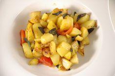 Es wird mal wieder Zeit....Der Salbei wuchert im Garten und bekommt so einen perfekten Platz :-) http://www.umgekocht.de/2015/03/salbei-kartoffeln/
