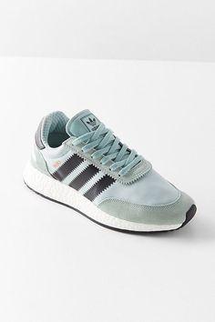 adidas Originals Iniki Boost Running Sneaker Tênis Para Corrida c5885e8ca5821