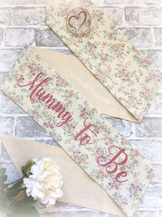 Mummy To Be vintage floral sash baby shower accessories Shower Accessories, Vintage Floral, Sash, Floral Tie, Sisters, Baby Shower, Trending Outfits, Unique Jewelry, Handmade Gifts