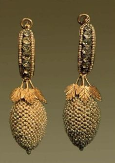 Earrings Late 18th - early 19th century Metal, Olonetsky pearls, glass; Lacing length of 8.0 cm Russian Ethnographic Museum St. Petersburg Russia