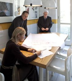 Bartoli Design, the team comprised of Carlo, Paolo and Anna Bartoli, today continues the project that was begun by Carlo Bartoli in 1960. The point of conception is for them a moment of #synthesis. The genesis of an idea is actually a distillation of #experience and #insights.