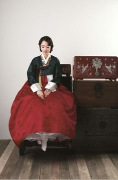 Hanbok from 'Som Si Myeong Ga' | weddingRitz.com