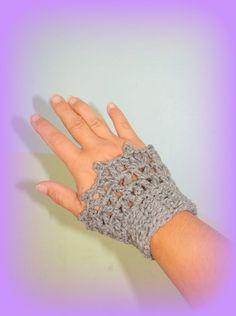 X2 Chauffe poignet gris fait main au crochet made in France unique créateur : Mitaines, gants par c-comme-celine