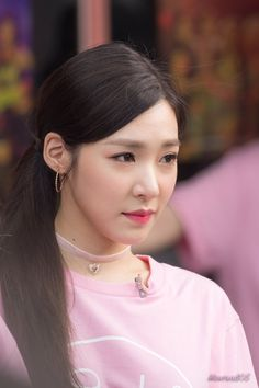 Snsd Tiffany, Tiffany Hwang, Young Ones, Pink Princess, Pink Eyes, Korean Actresses, Girls Generation, Kpop Girls, Pretty In Pink