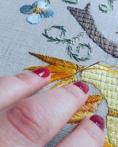 #handmade #artsandcrafts #handembroidery #embroidery #needlework #needlepoint #needleart #ricamomano #broderiemain #silkthreads #bordado #bordadoàmão #bordadosdecastelobranco #pontopena #stitchery #bordadodecastelobranco #textilart #tapestry #madeinportugal #agulhaelinha #tradicional
