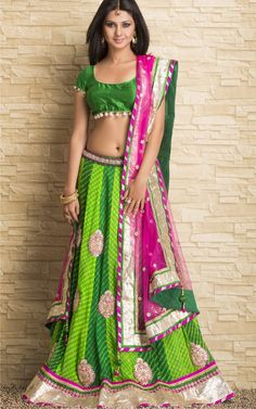 Go Girls ! Get yourself a Lehenga, ghagra or chaniya choli to look absolutely goegeous. Choosing the right choli designs will give you outright admiration. Indian Lehenga, Lehenga Choli, Anarkali, Green Lehenga, Saris, Indian Dresses, Indian Outfits, Indian Clothes, Chanya Choli