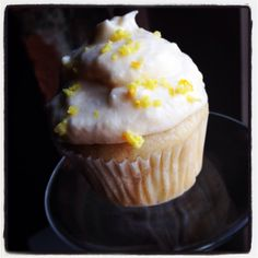 Lemony Doo Da  Soulgood Vegetarian to Go new organic #vegan cupcakes hit the market this month