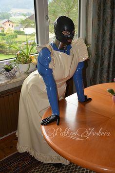 Sans titre   par Pathos Austria Pvc Apron, Rubber Dress, Latex Costumes, Latex Lady, Maid Uniform, Maid Outfit, Sissy Maid, Latex Dress, Catsuit