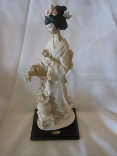 ~~  SIGNED 1987 GIUSEPPE ARMANI FLORENCE FIGURINE ORIENTAL GIRL WITH VASE ITALY