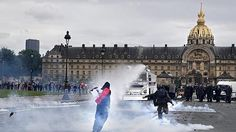 Francia, è devastazione: scene di guerriglia tra allarme terrorismo e tensione sociale - http://www.sostenitori.info/francia-devastazione-scene-guerriglia-allarme-terrorismo-tensione-sociale/237673