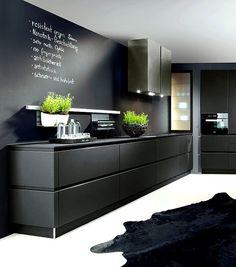 Stunning black kitchen design, kitchen trends for 2016 - 2017 #blackkitchen #handleless