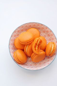 Orange curd macarons (recipe in english bottom of the page)
