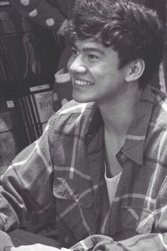 Awww Cal looks so happy ❤