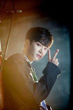 Handsome Actors, Handsome Boys, Asian Actors, Korean Actors, Taehyung, Neoz School, Sf 9, Fnc Entertainment, Boys Like