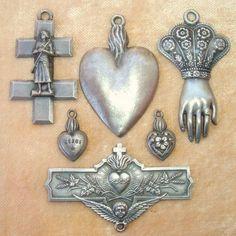 Antique Pewter Reproduction Pendants Medals Lot ex-Voto Religious Icons, Religious Jewelry, Religious Art, Milagros Charms, Memento Mori, Antique Pewter, Mexican Folk Art, Sacred Art, Heart Art