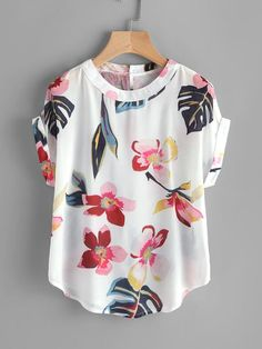 Material: Polyester Color: White, Multi Color Pattern Type: Floral Collar: Round Neck Style: Casual Type: Batwing Sleeve Length: Short Sleeve Fabric: Fabric has no stretch Season: Summer Bust(Cm): Length(Cm): Sleeve Length(Cm): X SheIn offers Random Blouse Styles, Blouse Designs, Pretty Short Dresses, Outfit Trends, Casual Summer Dresses, Dress Casual, Skirt Outfits, Blouses For Women, Ladies Blouses